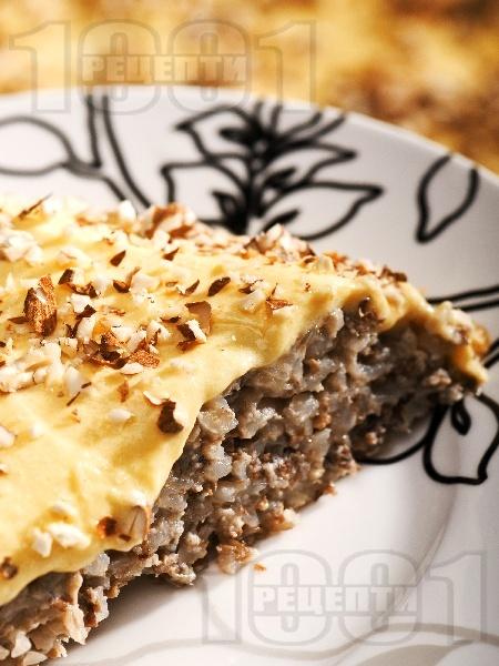 Пудинг десерт от жито и елда с ванилов крем и бадеми - снимка на рецептата